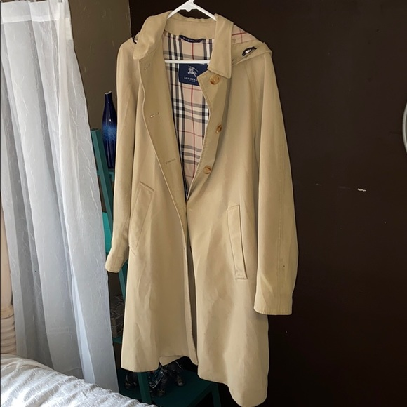 COPY - Burberry trench coat